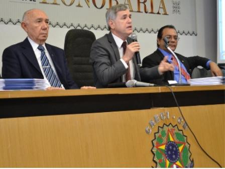 CEO da Sala do Corretor é homenageado por CRECI/CE